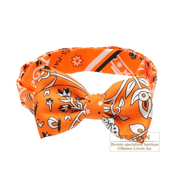 Hermes Noeud Papillon Fleurs et papillons de tissu Orange Black White Silk 98b7569f429