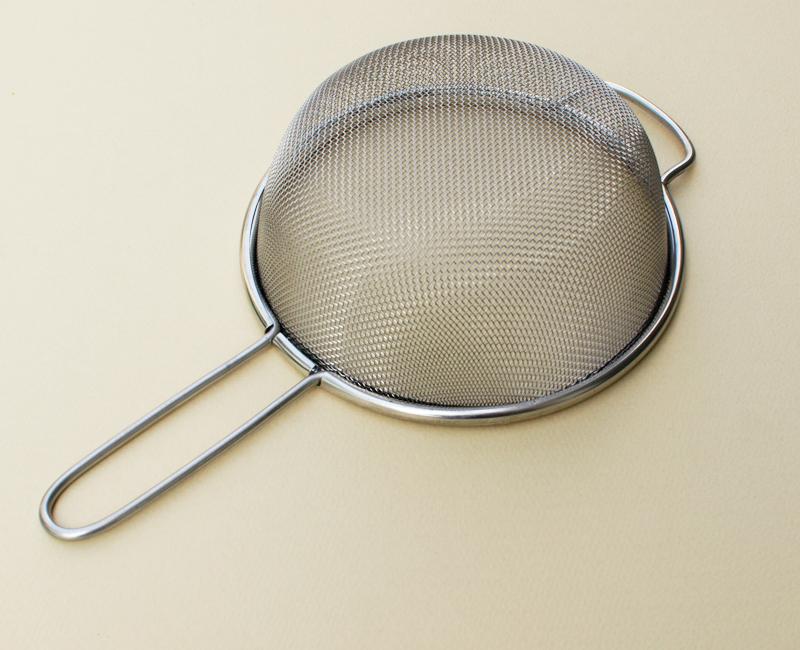 フルイや水切りに使える万能ザル シングルストレーナー 17cm 14メッシュ(ふるい)