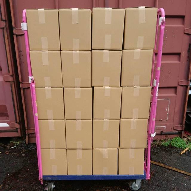 ナラ乾燥薪26cm大中割 12kg×40箱(480kg) 小型の薪ストーブや焚火台におすすめです 6ヶ月以上自然乾燥 蒔 まき たきぎ 代引不可 日祝の配達不可 時間帯指定できません