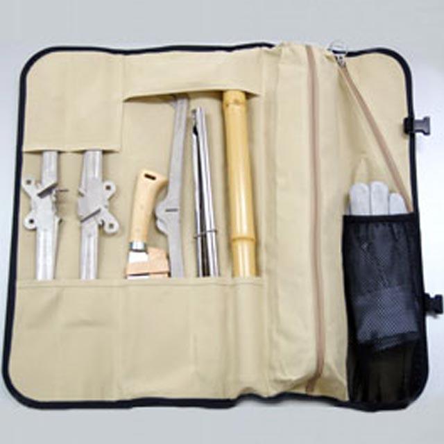 モノラル 焚き火ツールラップ ワイヤフレームとその他オプションや焚火小物類をひとまとめに格納できるロール式のバッグ