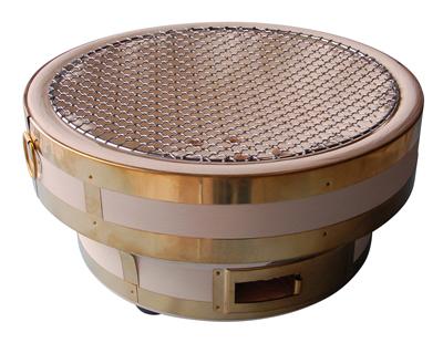 【メーカー在庫確認後手配】天然珪藻土切り出し ひまわり七輪32cm 真鍮巻 丸和工業製 高さが抑えられた、卓上で使いやすい大きな丸型七輪です。 脇田又次 しちりん ひちりん
