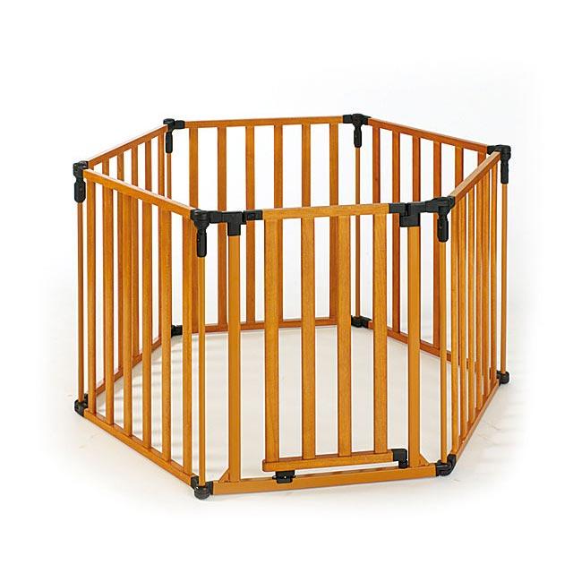 ノースステイツ スーパーヤード(6フェンス)|木製のシンプルなゲートセクション付きフェンス。角度を任意に決めることができますので、レイアウトを自由に変えることができます。