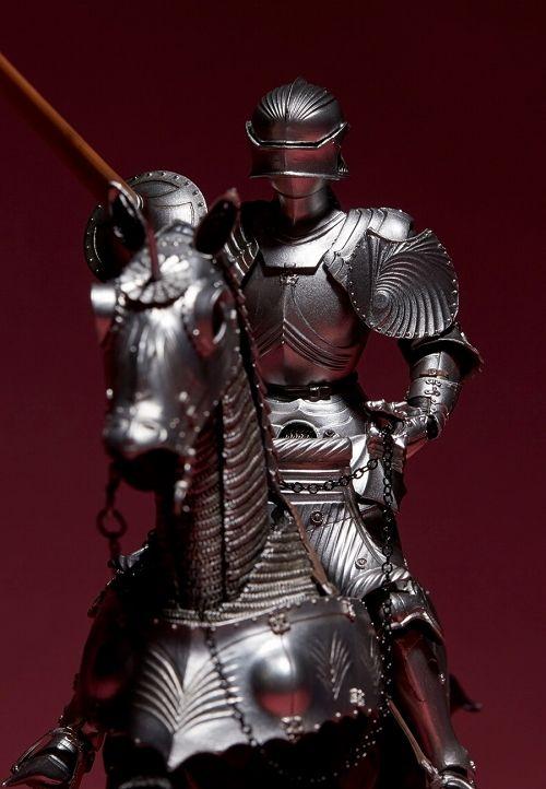 【予約商品】【海洋堂】 タケヤ式自在置物/ 15世紀 ゴチック式 エクストリアンアーマー 騎手用甲冑 シルバー ver