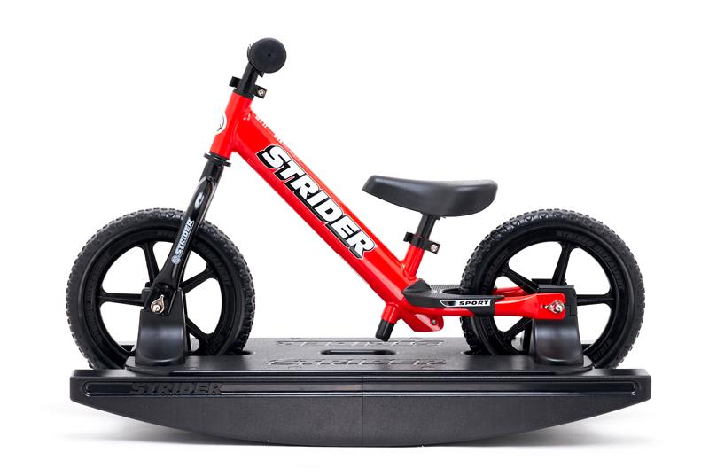 ストライダー ベイビーバンドル ランニングバイク 安心2年保証 送料無料 バランスバイク ペダルなし自転車 キッズバイク トレーニングバイク キックバイク 誕生日プレゼント 子供 男の子 女の子 おもちゃ 0歳 1歳 2歳 3歳 4歳