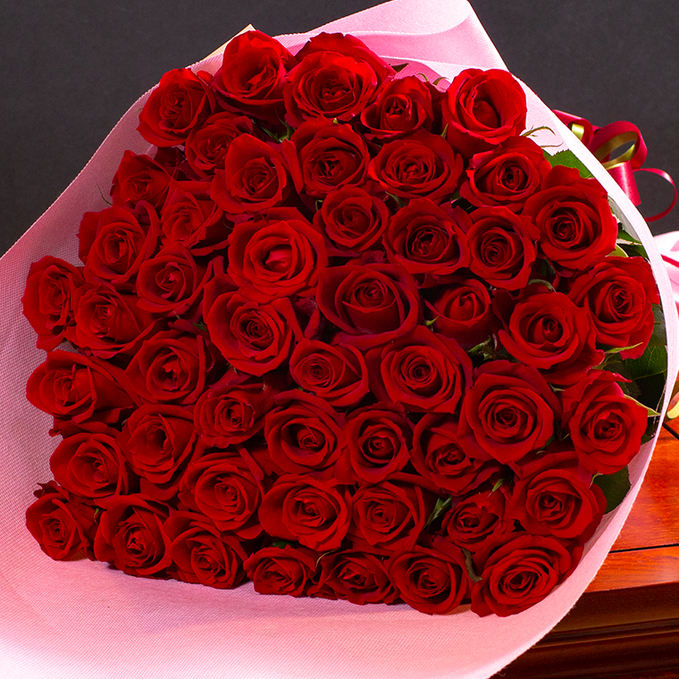 バラの花束 50本
