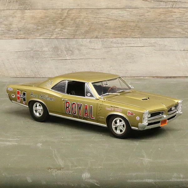 【ミニカー】1966 ロイヤル ポンティアック GTO 1:18スケール ゴールド アクメ 【CHEVY daytona tribute car ACME】