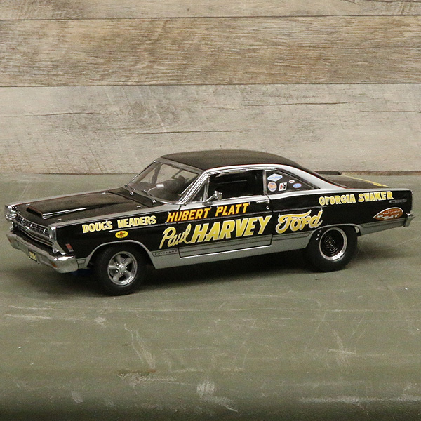 【ミニカー】1967 フォード フェアレーン ジョージア・シェーカー ヒューバー・プラット 1:18スケール ブラック【ford fairlane gmp】