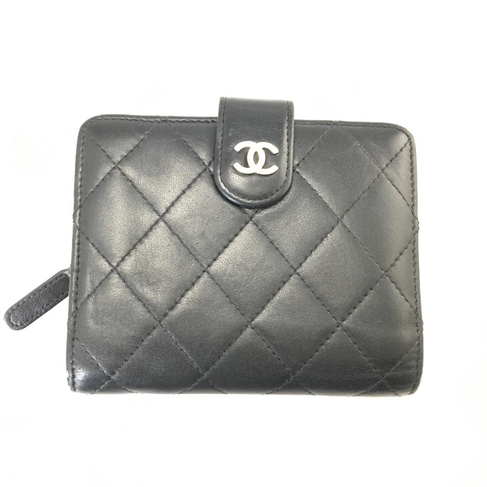 【送料無料】【中古】【レディース】CHANEL シャネル ラムスキン 二つ折り財布 ウォレット イタリア製 カラー:BLACK ブラック 黒