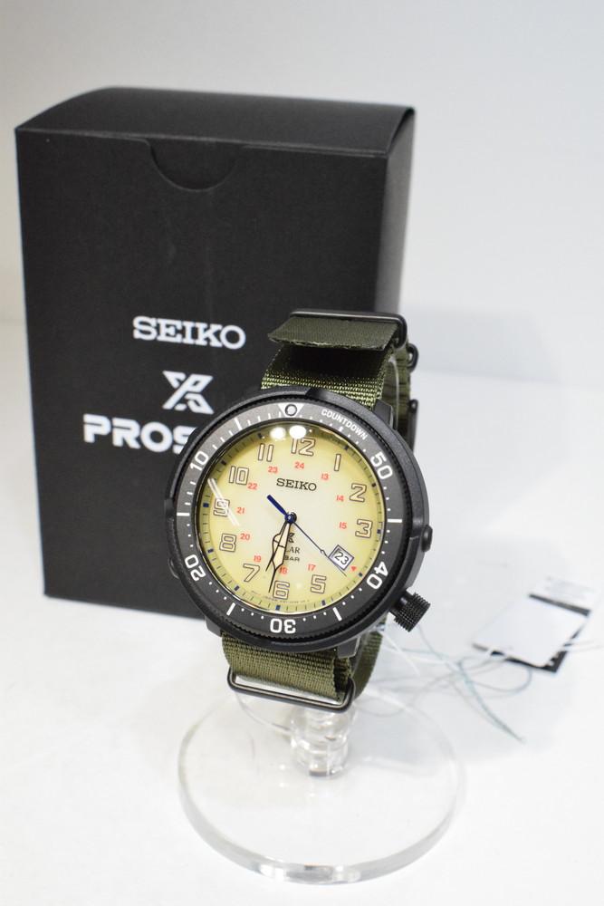 【中古】【未使用品】SEIKO セイコー SBDJ029 プロスペックス ソーラー電波 腕時計 カーキ ブラック アナログ