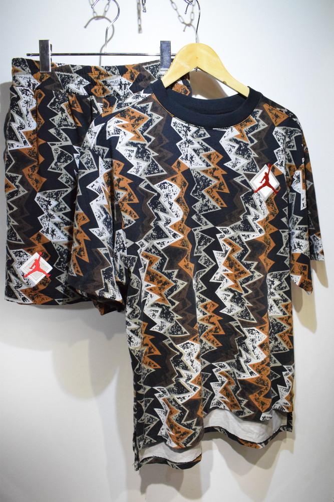 【中古】NIKE ナイキ Jordan ジョーダン Patta パタ Jumpman ジャンプマン SS T-Shirt short pants set up セットアップ マルチカラー サイズS メンズ レディース スポーツ 万代Net店