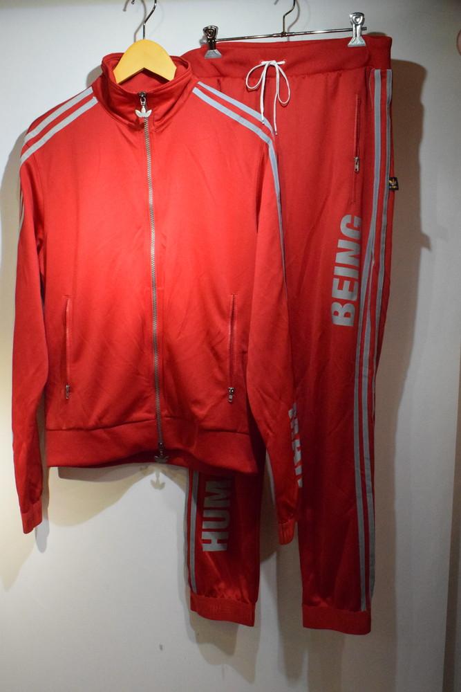 【中古】 adidas originals アディダスオリジナルス harrell Williams ファレル・ウィリアムス Human Being ヒューマンビーイングセットアップ TOP BK4291 PT BK4290 サイズ 0 メンズ スポーツ 万代Net店