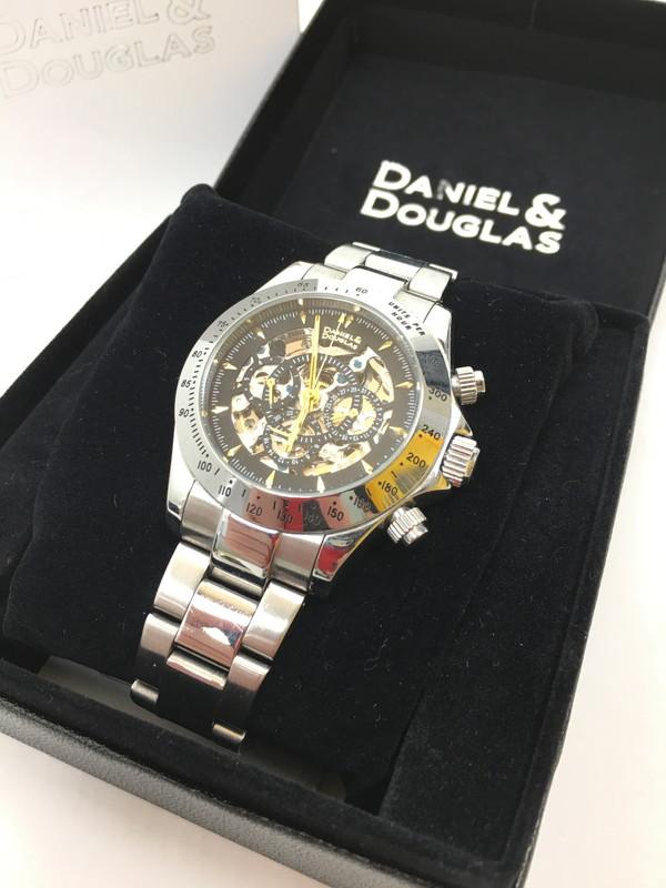 【中古】【メンズ】DANIEL & DOUGLAS ダニエルアンドダグラス メンズウォッチ 時計 カラー:シルバー 型番:DD8802