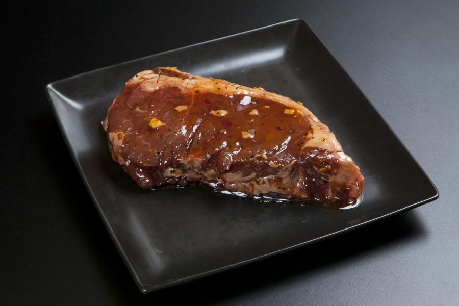 焼肉 バーベキューに ガーリックチップオイルで柔らかく食べやすい 厚切り 売れ筋 約440g 牛サーロインステーキ ガーリックチップオイル 驚きの値段で 1ポンド