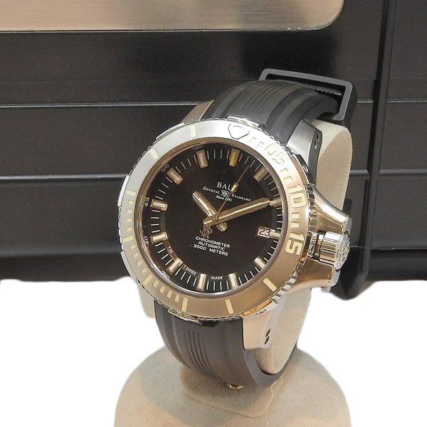 BALL Watch ボール ウォッチ エンジニアハイドロカーボン ディープクエスト 腕時計 DM3000A-SCJ-BK 【中古】