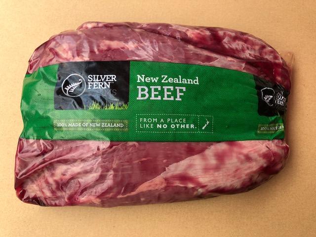 【送料無料】シルバーファーンファーム社の牧草牛 1.5Kgペティットテンダー〔ウワミスジ〕 ニュージーランド産 グラスフェッドビーフ 牛 冷凍 牛肉 赤身 肉 希少部位 健康 お取り寄せ