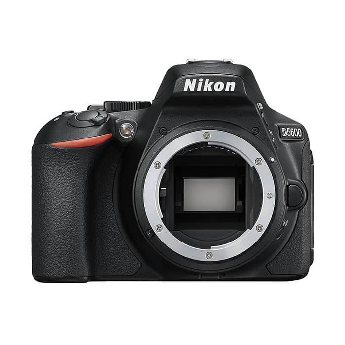 《新品》Nikon (ニコン) D5600 ボディ[ デジタル一眼レフカメラ | デジタル一眼カメラ | デジタルカメラ ]【KK9N0D18P】