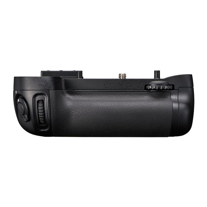 《新品アクセサリー》 Nikon(ニコン) マルチパワーバッテリーパック MB-D15 (対応機種:D7200、D7100)【KK9N0D18P】