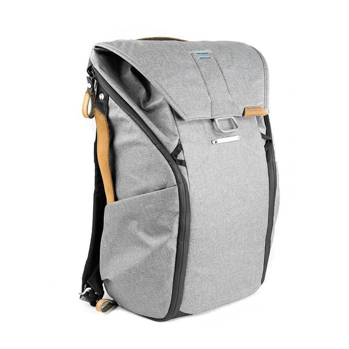 《新品アクセサリー》 peak design (ピークデザイン) エブリデイバックパック20L BB-20-AS-1 アッシュ【KK9N0D18P】