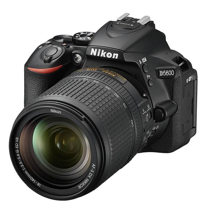 《新品》Nikon (ニコン) D5600 18-140 VR レンズキット[ デジタル一眼レフカメラ | デジタル一眼カメラ | デジタルカメラ ] 【KK9N0D18P】