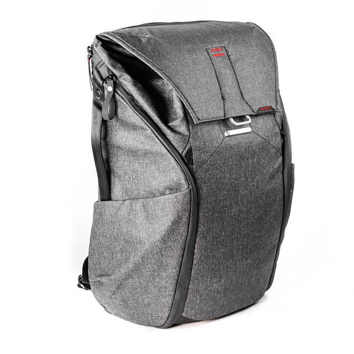《新品アクセサリー》 peak design (ピークデザイン) エブリデイバックパック30L BB-30-BL-1 チャコール【KK9N0D18P】