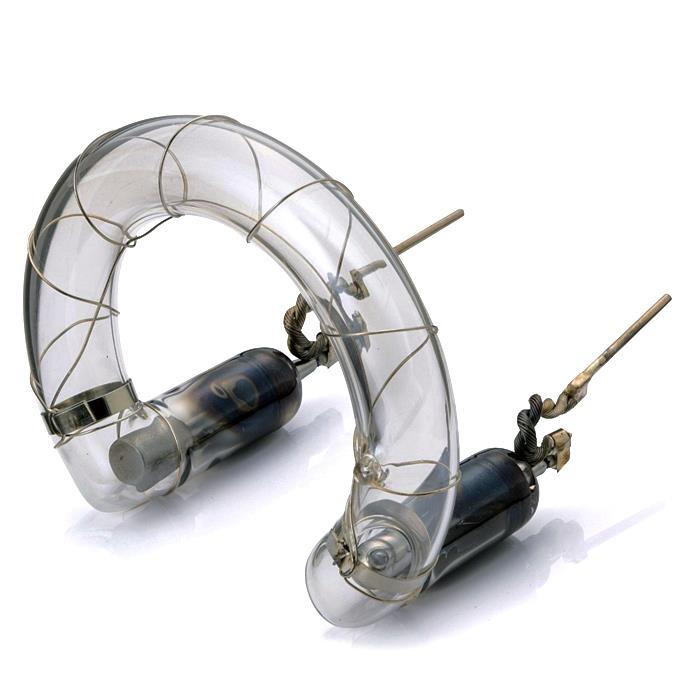 《新品アクセサリー》 SUNSTAR-STROBO (サンスターストロボ) QC-3000 フラッシュチューブ #05005【KK9N0D18P】〔メーカー取寄品〕