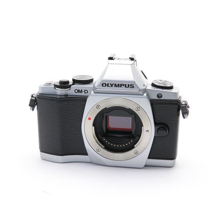 【あす楽】 【中古】 《並品》 OLYMPUS OM-D E-M5 ボディ シルバー [ デジタルカメラ ]