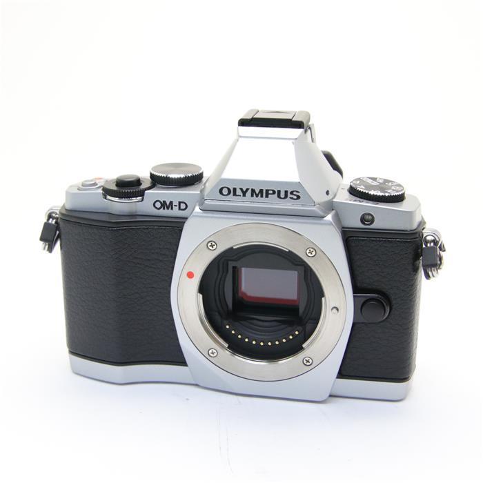 【あす楽】 【中古】 《美品》 OLYMPUS OM-D E-M5 ボディ シルバー [ デジタルカメラ ]
