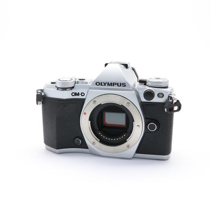 【あす楽】 【中古】 《良品》 OLYMPUS OM-D E-M5 Mark II ボディ シルバー [ デジタルカメラ ]
