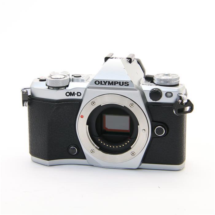 【あす楽】 【中古】 《並品》 OLYMPUS OM-D E-M5 Mark II ボディ シルバー [ デジタルカメラ ]