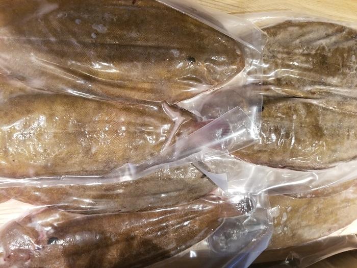 冷凍 フランス産ドーバーソール ホール8尾入り 1パック2枚入り×4パック 1枚約300~400g 約2.5kg 舌平目
