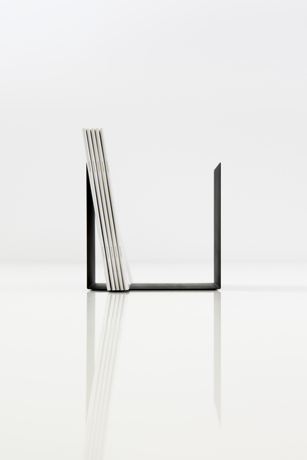 BE 03 S Made Of Bookends Steel These Vertical Bookstand