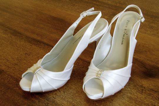 【年末SALE40%OFF】ウェディングシューズ パンプス ウェディング 花嫁 靴 シューズハイヒール ストラップ(ウエディング ブライダル ブライダルシューズ)[E31]【送料無料】【あす楽】