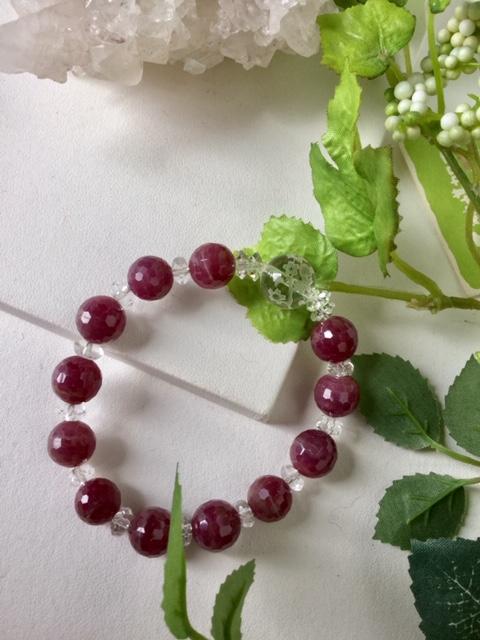春色 ブレスレット 1点もの現品のみ!天然石ブレスレット 送料無料 ルビーカット 水晶 手彫り桜 さくら