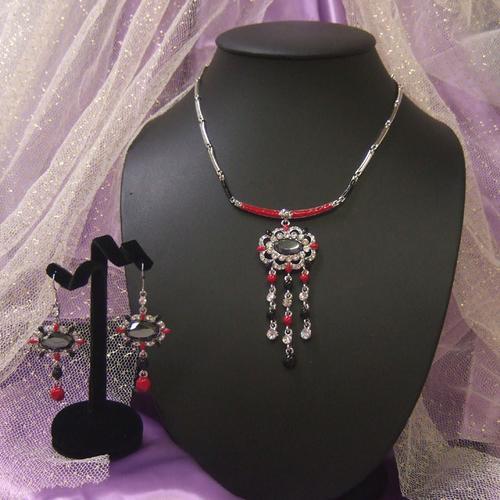 アフリカの王女赤黒ラインストーンネックレスピアスセット