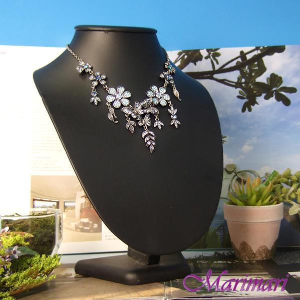 ブルーグラデスワロフスキーネックレスサファイアブルーアンティーク風 蝶とお花◆
