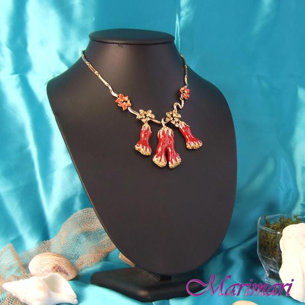パーティーネックレス朱赤の珊瑚モチーフゴールドのお花ボリュームたっぷり◆