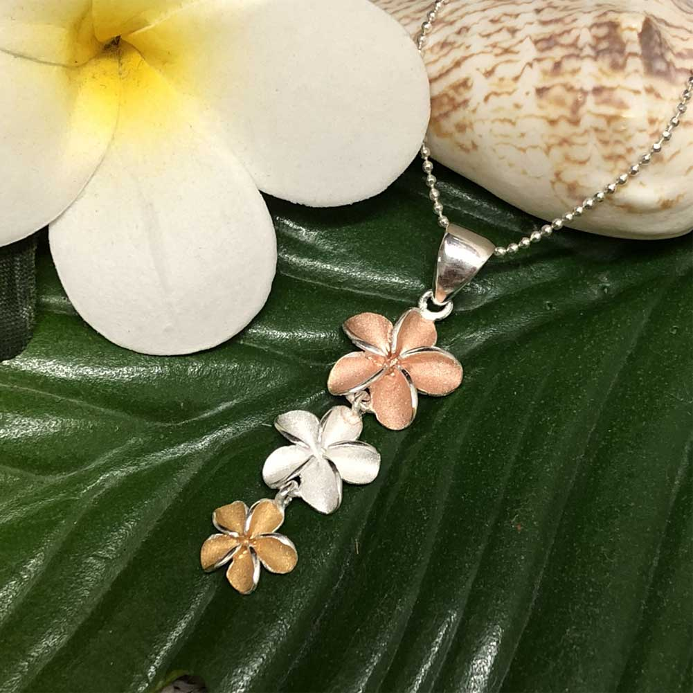 Shirahama mariner three 3 color frangipani necklace hawaii ann i have the fragrance that is sweet and is easy for you with a very imminent flower for the hawaiian people and as for the frangipani the pretty white izmirmasajfo