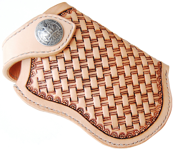ハンドメイド レザーカービングiphoneホルダー(ナチュラル) 国産サドルレザー 日本製 ネーム刻印無料 オーダーメイド承ります