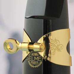 バリトンサックス リガチャー ブルズアイ・ルージュ金メッキ、1本ネジSELMERサイズで製作。これは欲しい!
