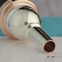 ユーフォニアム・マウスピース デニス・ウィック SH4 外囿祥一郎モデル リム・インナー・ピンクゴールド仕上げ( 太管用 )