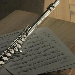 フルート サンキョウ エチュードPA頭部管銀製のベストセラー中学生が吹奏楽部で演奏するのに最適のフルートです。ネット通販のフルート販売はここで!