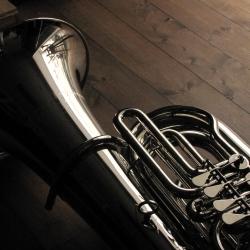チューバ サンクト・ペテルブルグ・テューバ202Nこの価格でこの音、この吹き心地!すばらしいB♭管 4ロータリー・チューバです。吹奏楽部で演奏する中学生、高校生に最適!