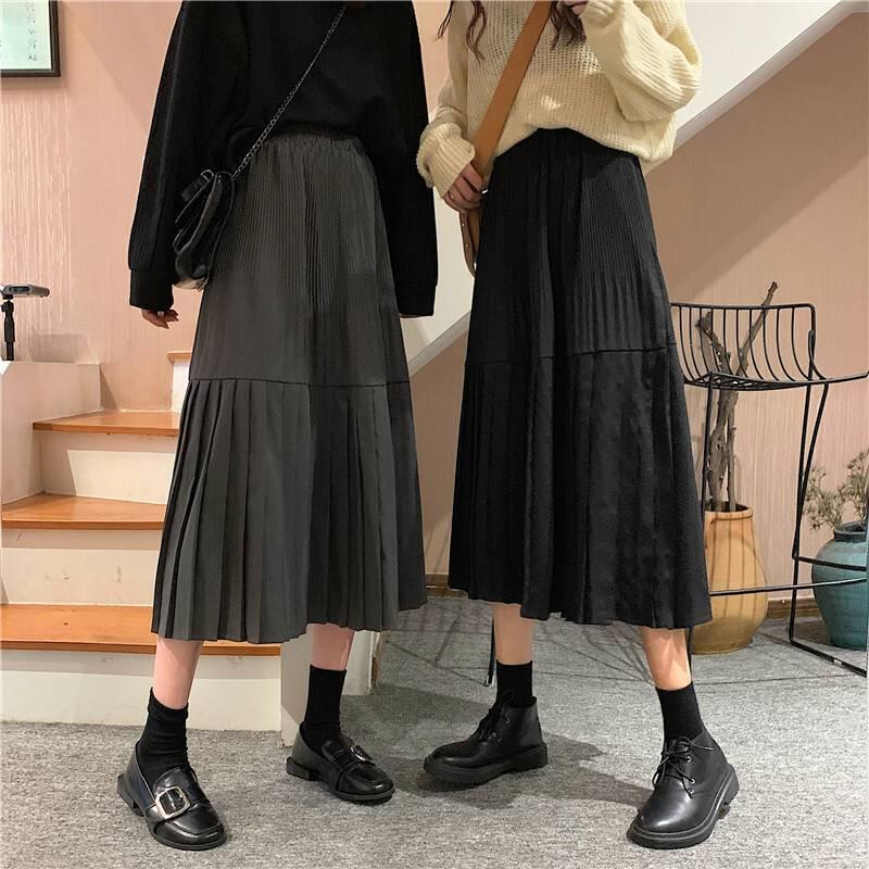 スカート コーデ 夏 黒 ロング
