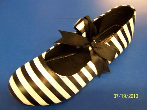 JAILER シューズ 靴 Prisoner Convict Striped Flats 大人用 アクセサリー ハロウィン コスチューム コスプレ 衣装 変装 仮装