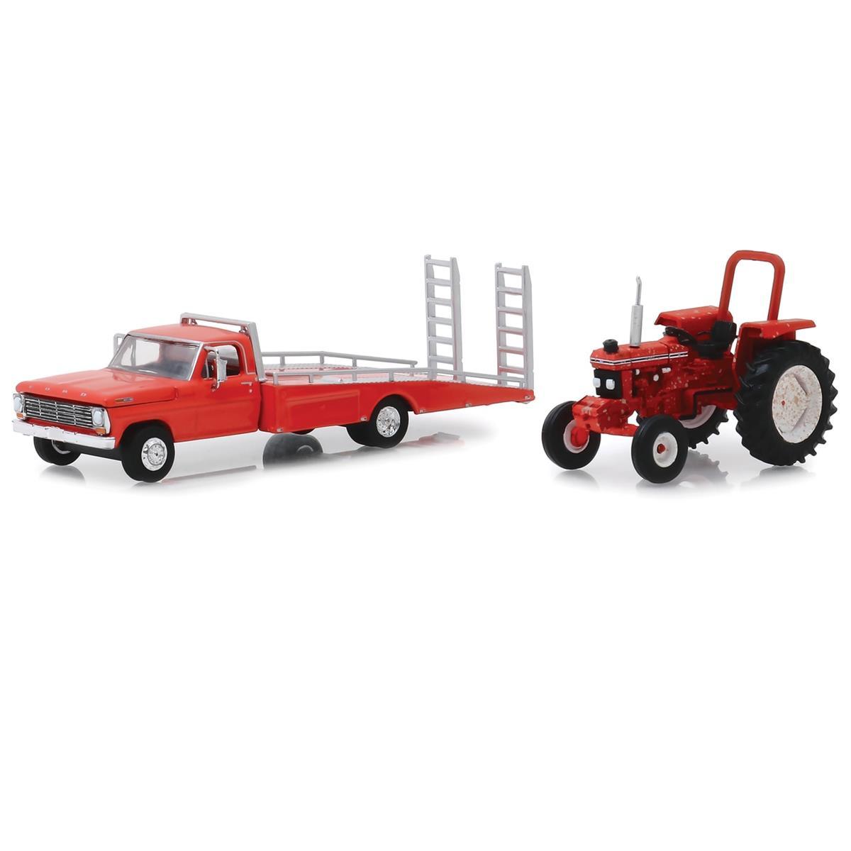 緑light 1969 Ford フォード F-350 Ramp Truck & Unresto赤 Ford フォード 5610 Tractor 1/64 Scale スケール Diecast Model ダイキャスト ミニカー おもちゃ 玩具 コレクション ・...