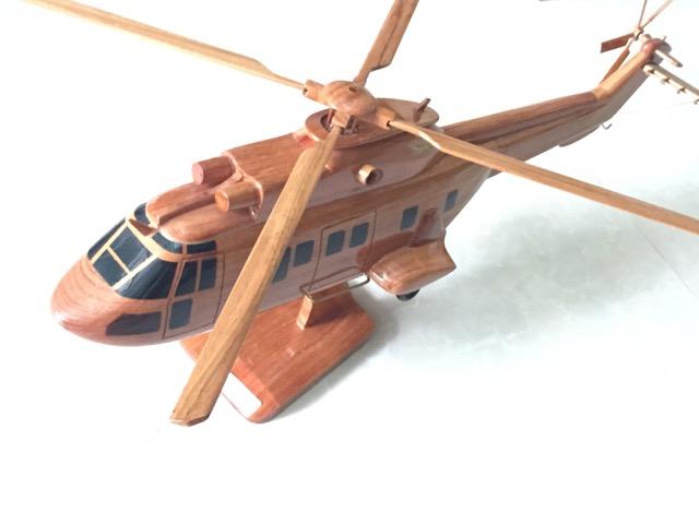 手作り木製模型 ヘリコプター AS332 SUPER PUMA HEL-013 *模型*
