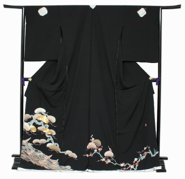 【正絹黒留袖 未仕立て 仮絵羽 梅と松に波柄】礼装 黒留め袖 新品 お誂え 購入 販売 結婚式 既婚 五つ紋 家紋 フォーマル【hzふわ】