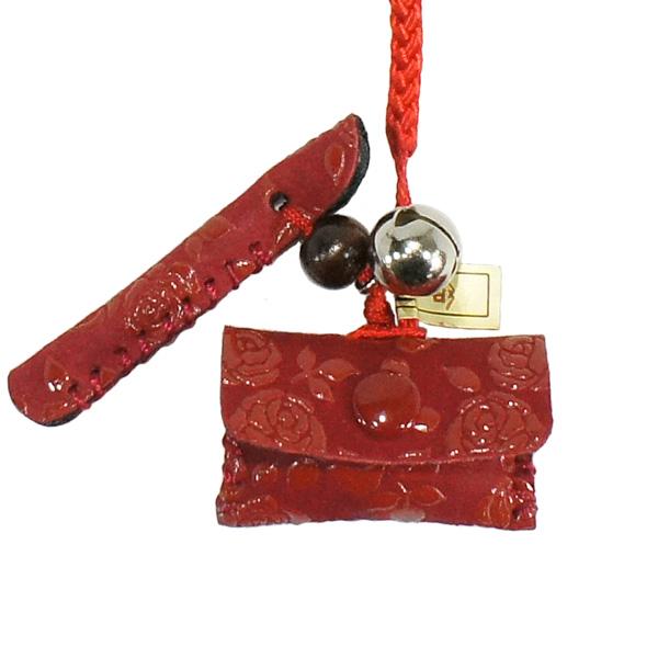 甲州印伝 1着でも送料無料 印傳屋 のねつけ キセルとタバコ入れ 5104-23-176 赤地に赤漆のローズ小柄 赤×赤 小銭入れ がま口 財布などに付けるとかわいいですよ 印伝 上原勇七 根付 赤地×赤漆 花柄 ストラップ 本革 YM02 ローズ小 レザー 女性用 ブランド レディース 鹿革 5104 1着でも送料無料