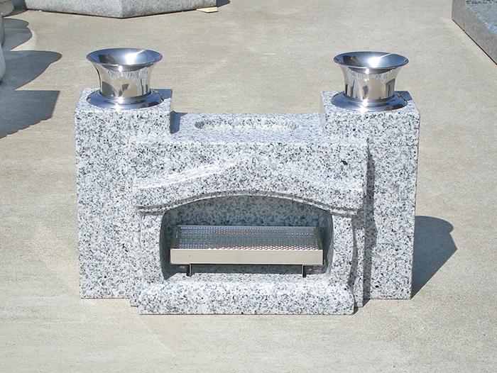 お墓 香炉 水鉢・花立一体型香炉 白御影石 みかげいし ステンレス線香皿・花筒付き〔本州限定価格27,000円〕※北海道・離島の価格はお問い合わせにてお見積り致します。