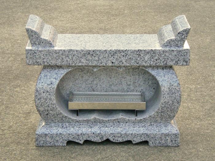 お墓 香炉 経机香炉 白御影石(G603) みかげいし ステンレス線香皿付き〔本州限定価格17,500円〕※北海道・離島の価格はお問い合わせにてお見積り致します。